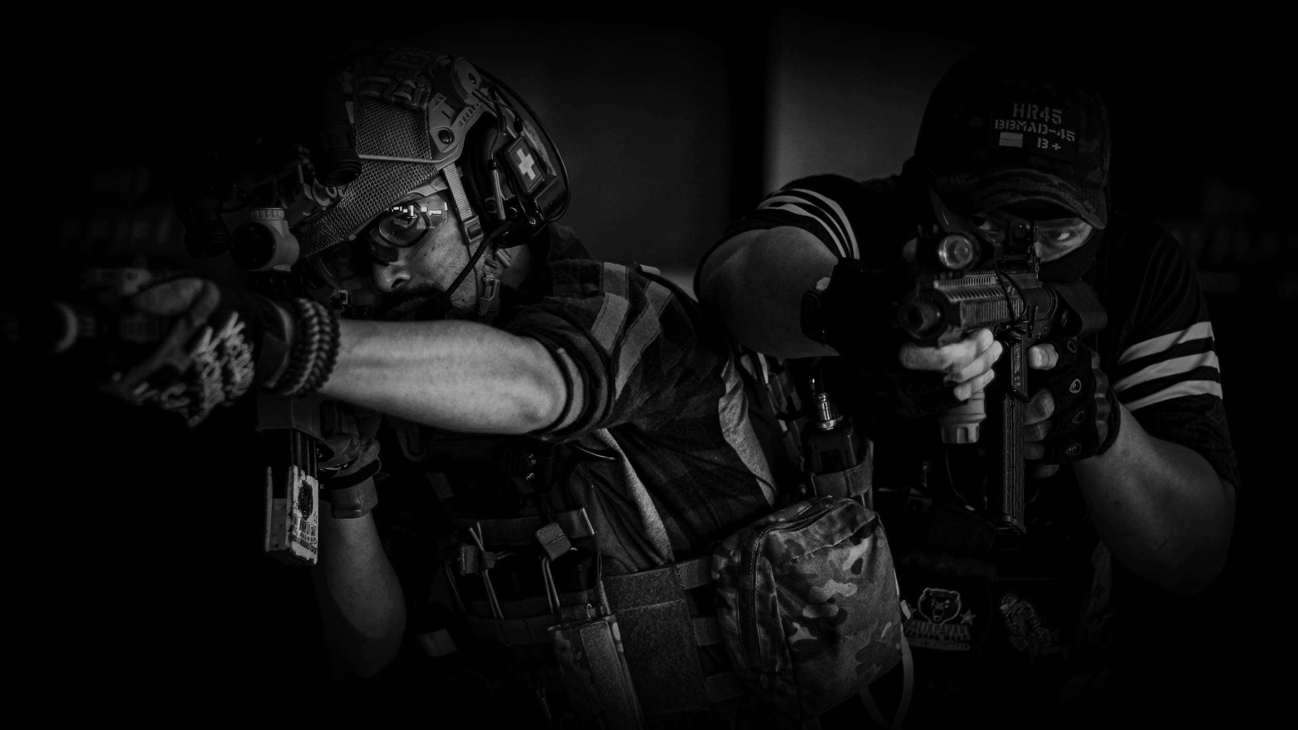 SWAT team breaching a room, an analogy for disruptive ads.